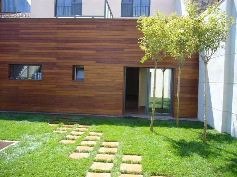 Edificio en Mataró con patio interior.