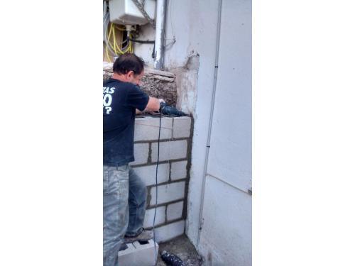 Muro de bloque de hormigòn