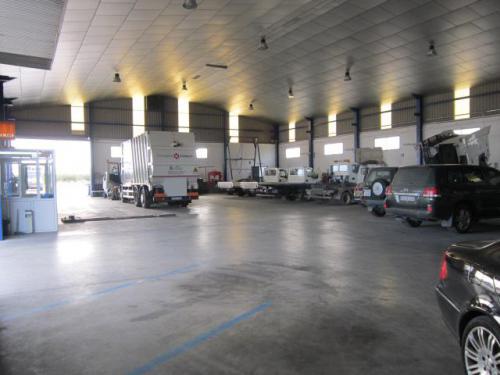 Zona de trabajo de vehículo industrial, maquinaria agrícola, civil y centro técnico de tacógrafos analógicos y digitales multimarca