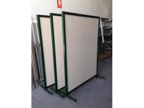 Fabricación de separadores en hierro lacado y madera.