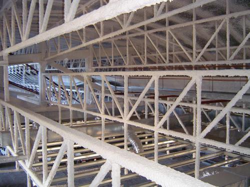 Pasarela interior del techo del Pabellón deportivo.Finca de España, La Laguna en Tenerife