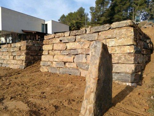 Muro de Piedra Natural, rocalla, excavaciones
