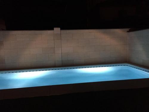 Aplacado pared de piscina