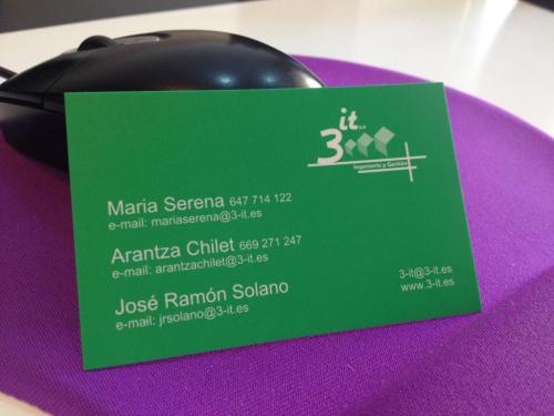Nuestra tarjeta de visita y equipo de trabajo