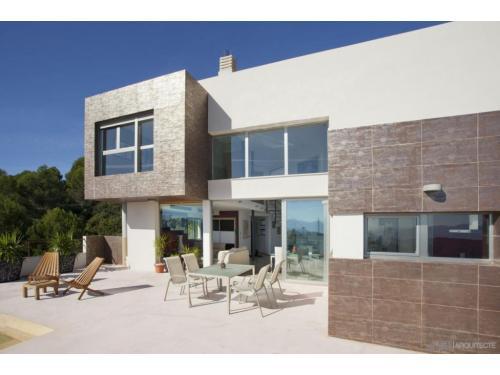 Proyecto y construcción de vivienda unifamiliar en Oliva