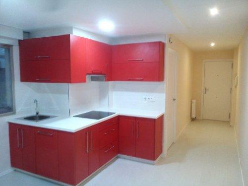 reforma de piso antiguo, cocina,tarima, puertas...