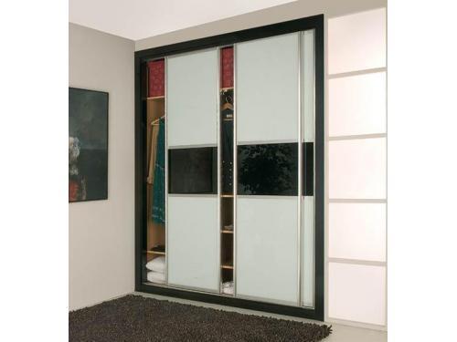 Armario en puerta de corredera  con interior modular