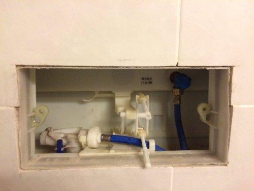 detalle acceso a cisterna empotrada, para cambio descargador