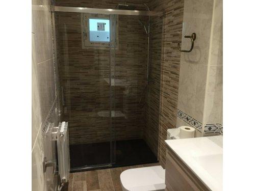 cambio bañera x plato alicatando solo zona ducha