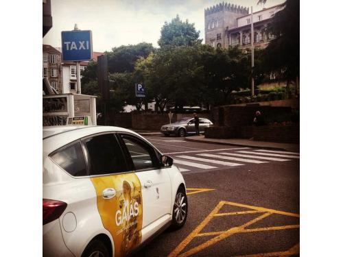 publicidad en taxis plaza galicia