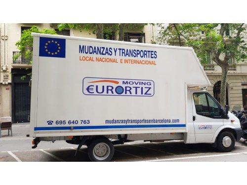 Uno de nuestros vehículos para realizar tu mudanza.