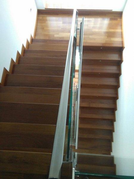 Peldaños de escalera