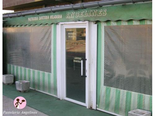 Terraza Pastelería Angelines
