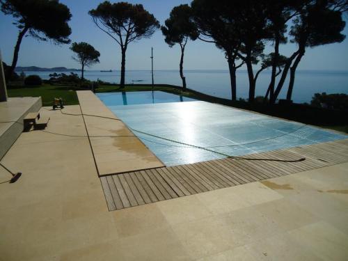 Proyecto de piscina y construcción