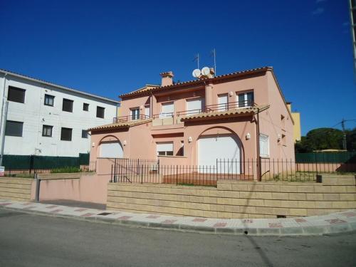 Dirección de obra construccion de dos viviendas adosadas Platja dAro