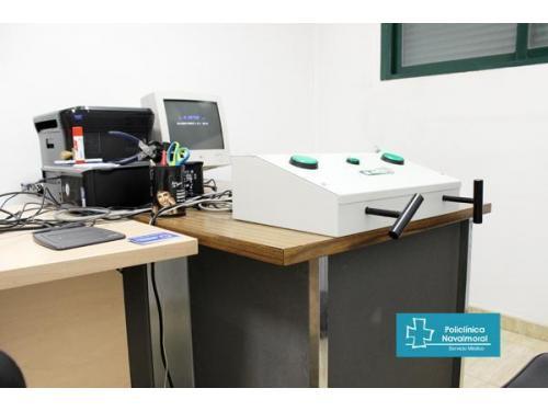 Sala de pruebas psicotécnicas para el permiso de conducir